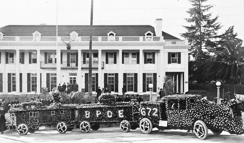 Rose parade history tournament of roses for Rose city motors pasadena