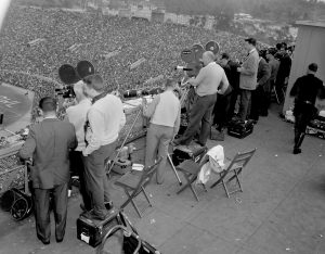 By the 1952 Rose Bowl Game, the broadcast went nationwide
